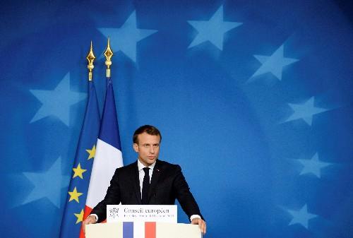 """Syrie: Macron parle de """"faute lourde"""" de l'Otan, de """"folie"""" d'Ankara"""