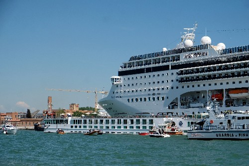 Venice must be put on U.N. danger list, ban cruise ships: conservationists