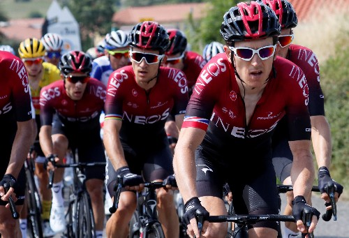 Cycling-Thomas in driving seat as Tour rivals lose time