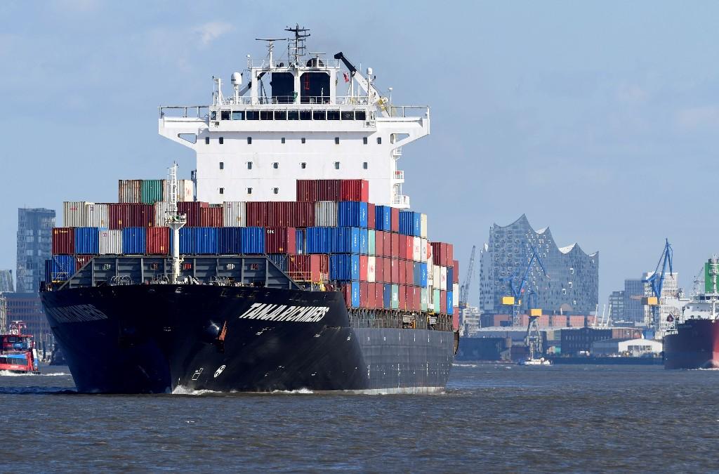 World trade rebounding slowly, outlook uncertain: U.N. report