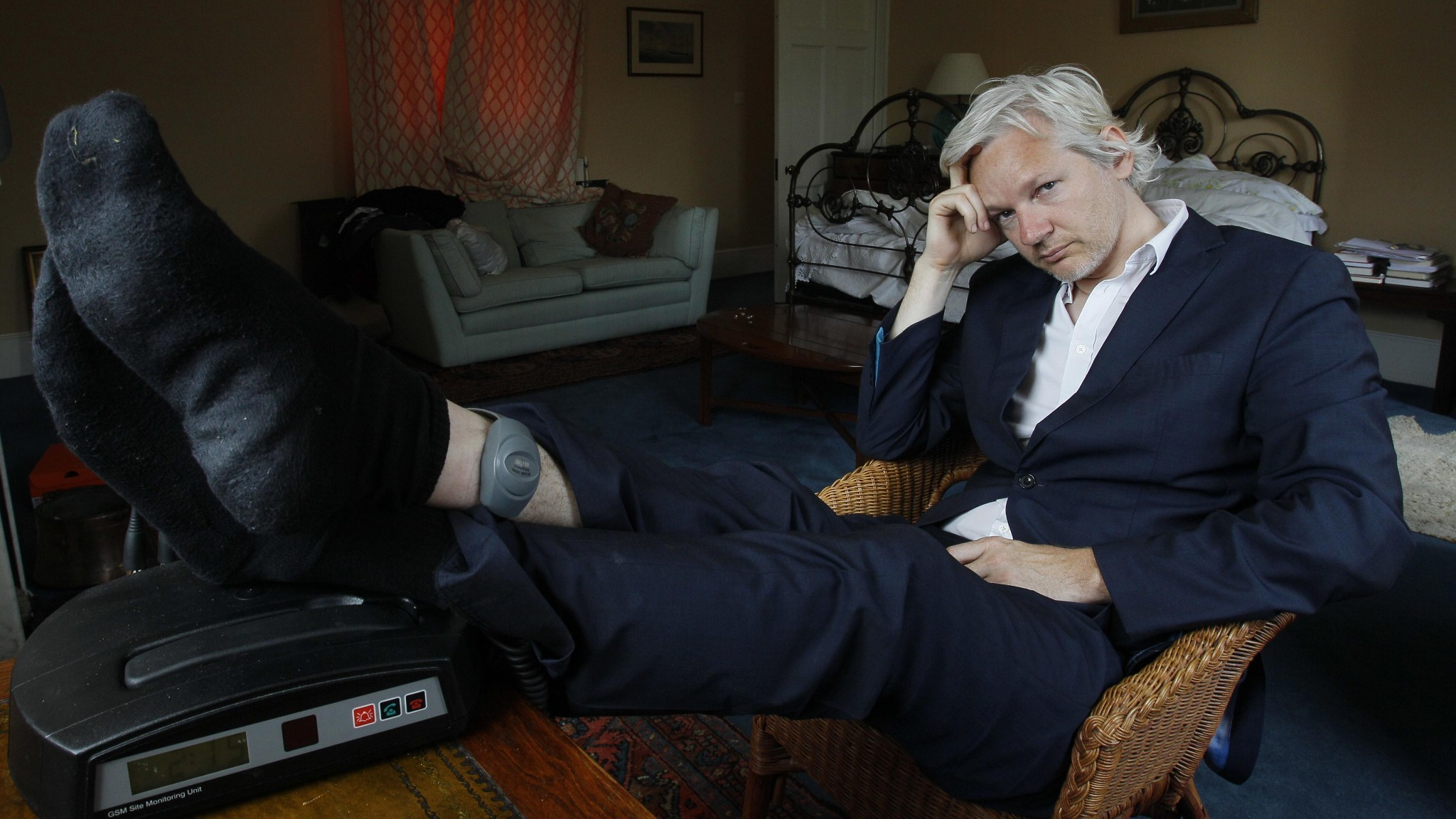 Swedish prosecutors drop Julian Assange rape investigation