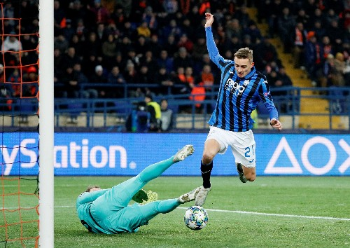 Atalanta stun Shakhtar to reach Champions League last 16