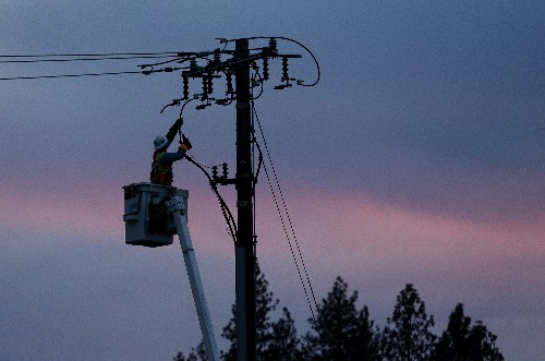 Controlled outages may be on the way as PG&E settles cases