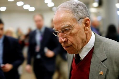 Senators ask Trump to suspend EPA's use of biofuel waivers
