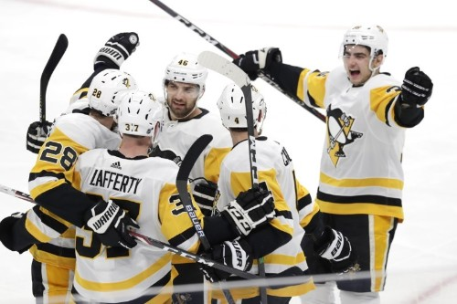 NHL roundup: Penguins rout Jets for 3rd straight win