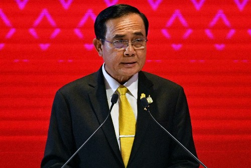 Thai prime minister survives vote of no confidence
