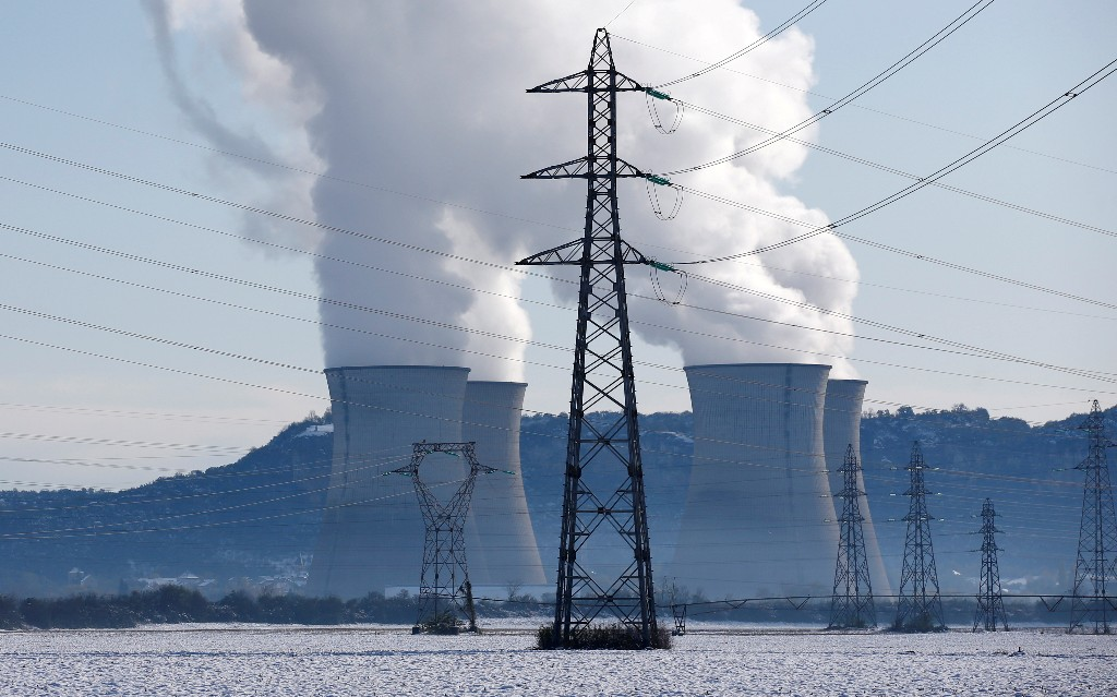 World's operating nuclear fleet at 30 year low as new plants stall: report