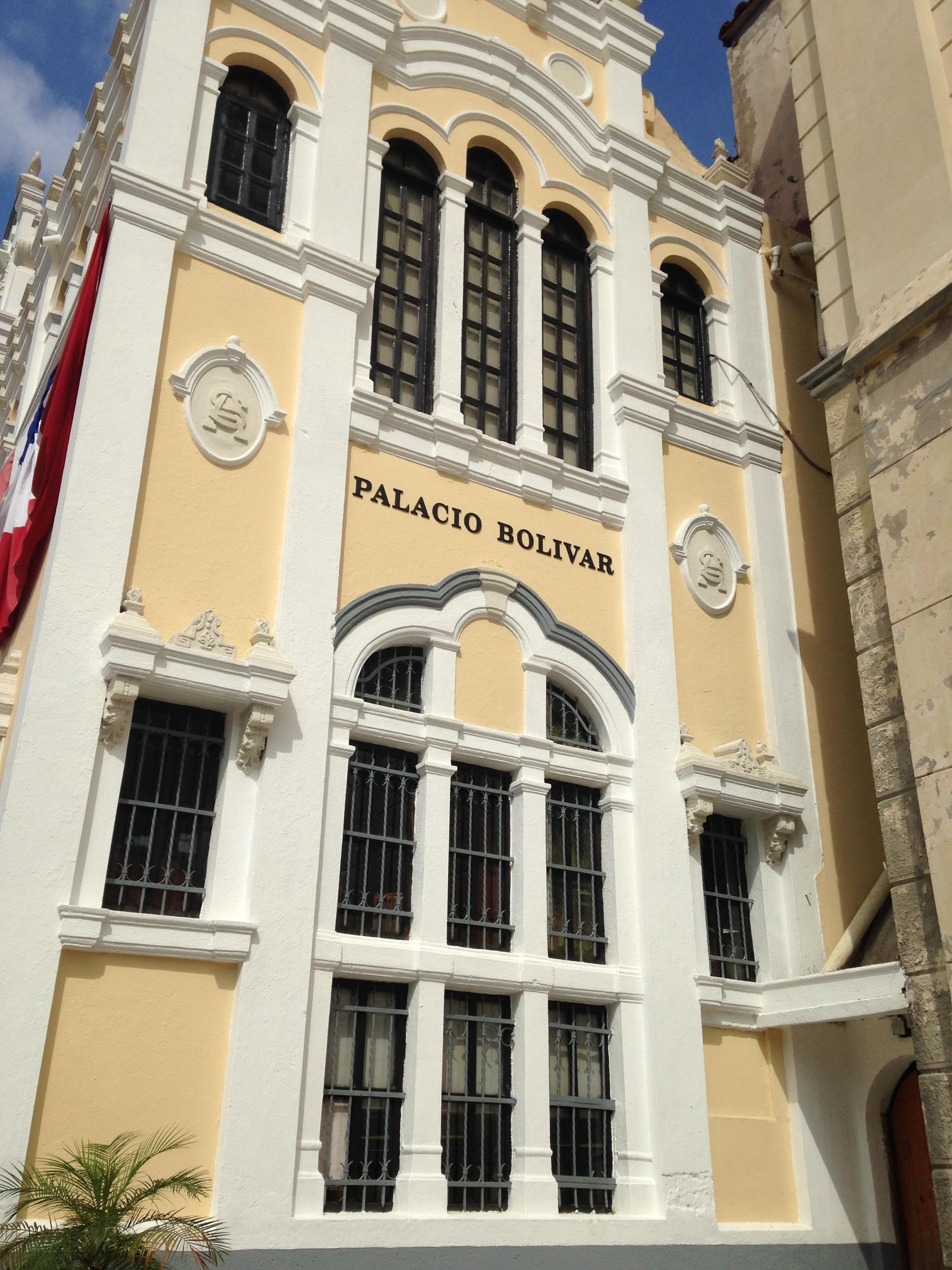 En este palacio se acuerdan todas las Relaciones de comercio exterior mas importantes ..
