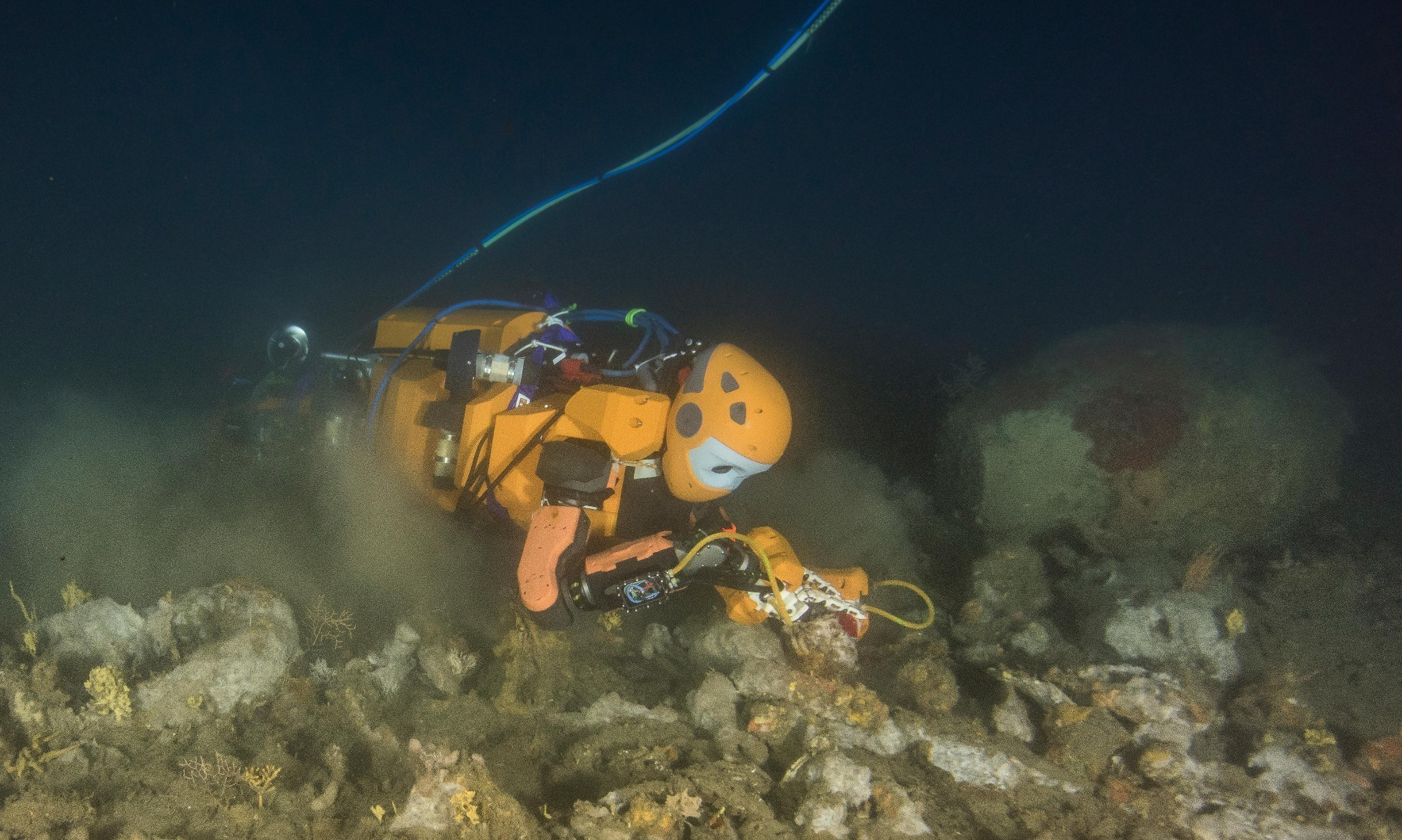 Humanoid diving robot hunts for sunken treasure in French shipwreck