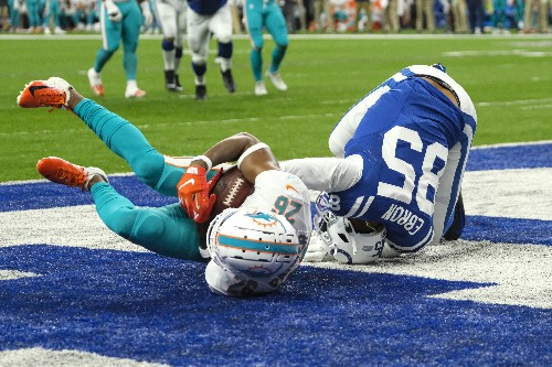 Dolphins cash in on Colts turnovers, earn 2nd straight win