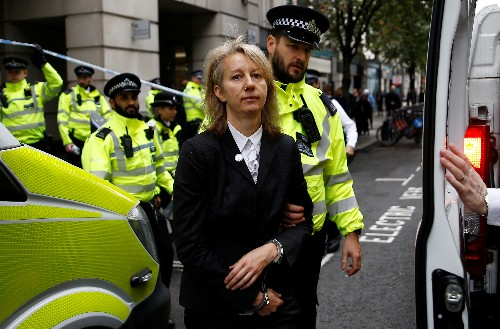 Climate change activists defy police ban on London protests