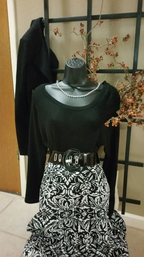 Ann Taylor Size 6 Cotton skirt w orn once for Baby shower