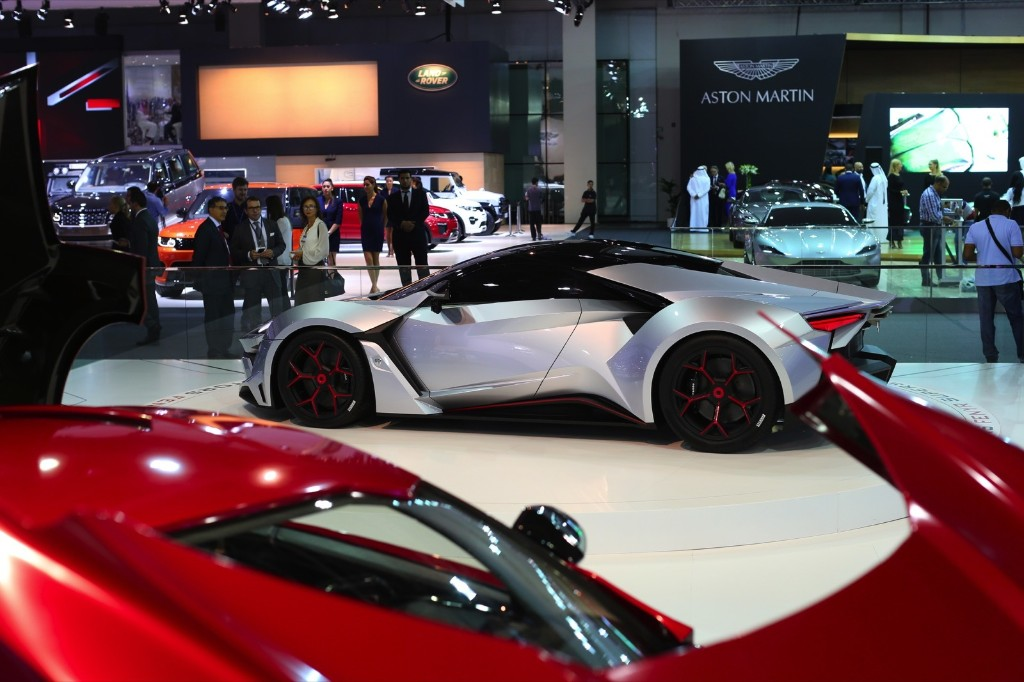 Opening Day at the Dubai Motor Show: Pictures
