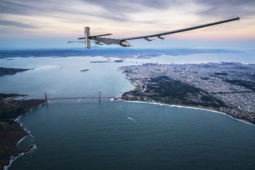 Solar Impulse 2 Flies over the Bay Area: Pictures