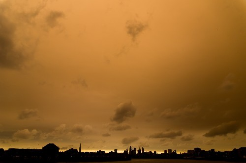 The Eerie Light in the London Sky: Pictures