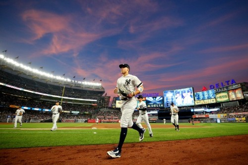 MLB roundup: Yanks set homer record in win over Jays