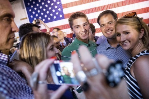 At Cleveland bar, Marco Rubio draws cheers from young Republicans