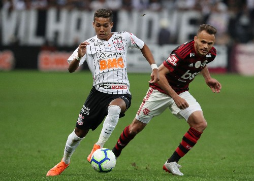 Flamengo draw 1-1 at Corinthians in VAR-influenced match
