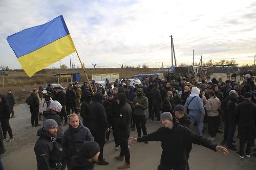 Ukraine leader: Predecessor trying to derail peace process