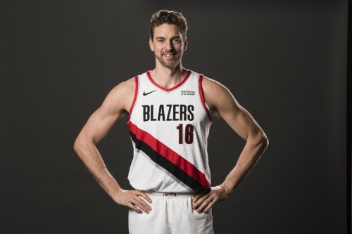 Trail Blazers waive Gasol, could become coach