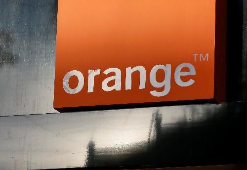 """Orange dément préparer une """"méga cession"""" de ses tours mobiles"""