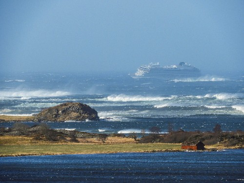 Almost 400 people winched from stricken cruise liner off Norway