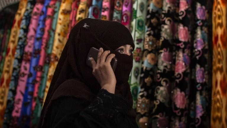 Chinese city bans burqa in public