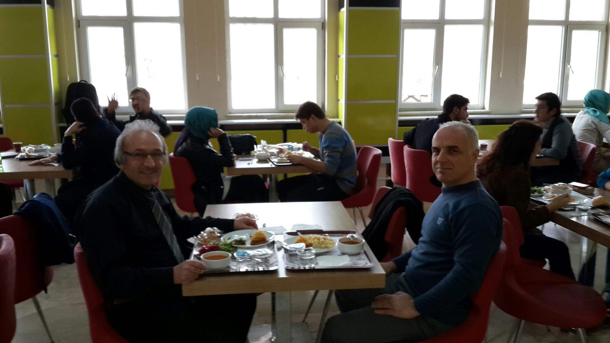 Ayhan Yavuz hocayla öğlen yemeği
