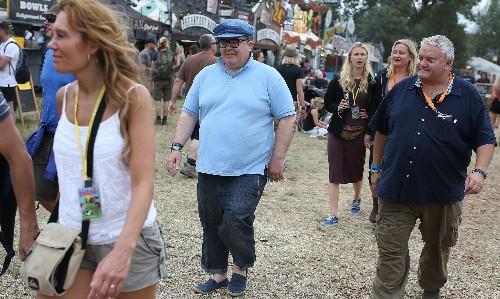 Corbyn chants, T-shirts and sculptures: Jeremania hits Glastonbury