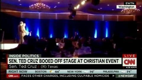 Ted Cruz booed, walks off stage