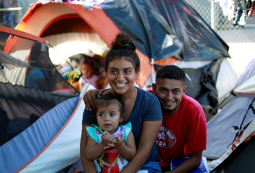 After U.S. court ruling, Honduran newlyweds among migrants clinging to asylum dream