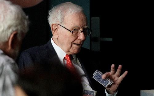 Warren Buffett says prospects poor for 'elephant-sized acquisition'