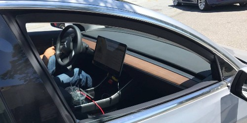 Tesla Model 3: best look at the interior and Model 3's unique dashboard to date