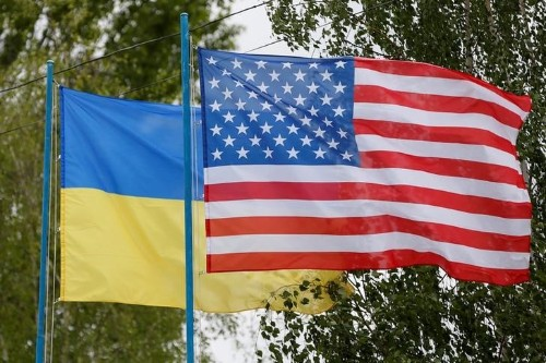 U.S. senators expect Congress to reinstate aid for Ukraine even if Trump cuts it