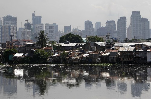 Gap between rich and poor growing, fueling global anger: Oxfam