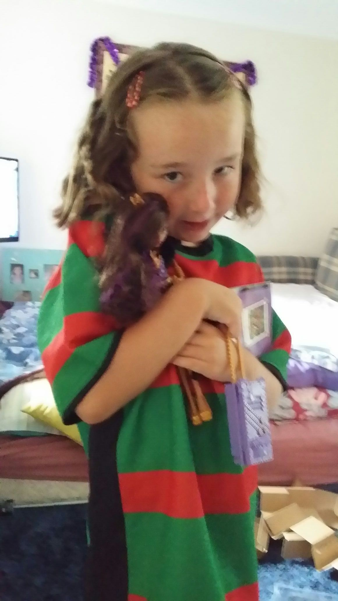 Hollies 2 favourite pressies..her new bunnies jumper n her monster high doll...n shes even gonna wear it 2 church lol..