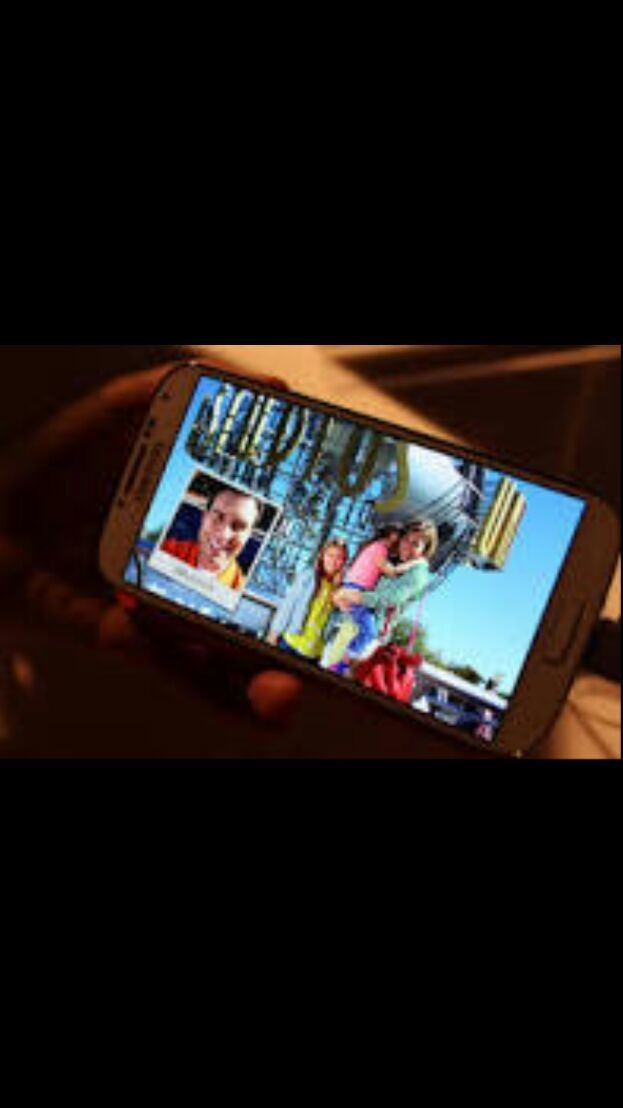 The new Galaxy s4 and Note 2 have extrordinary camera options such as drama shot or earaser mode.