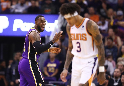 Even without Davis, Lakers rout Warriors