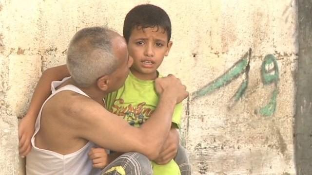 Palestinians struggle to find safety in Gaza