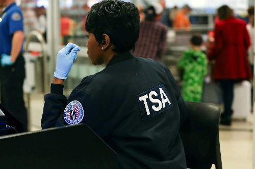 TSA absences rise as shutdown continues