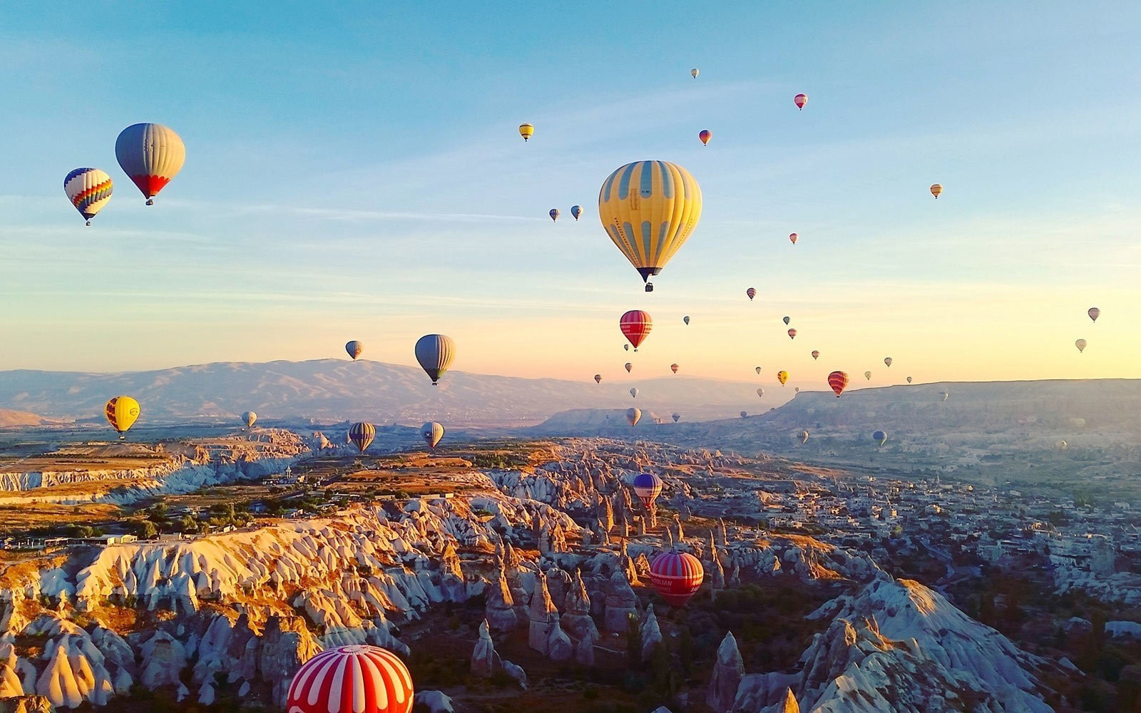 Flying in a Hot Air Balloon in Cappadocia Should Be on Your Bucket List