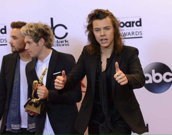 Harry teşekkür etmekle bitemiyor haha :)