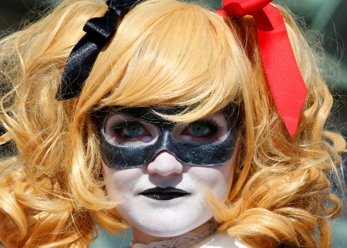 Dressing Up For Comic Con in San Diego: Pictures