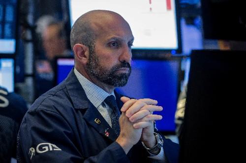 U.S. online brokers still profiting from 'dumb money'