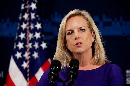 تقرير: ترامب يقرر إقالة وزيرة الأمن الداخلي نيلسن