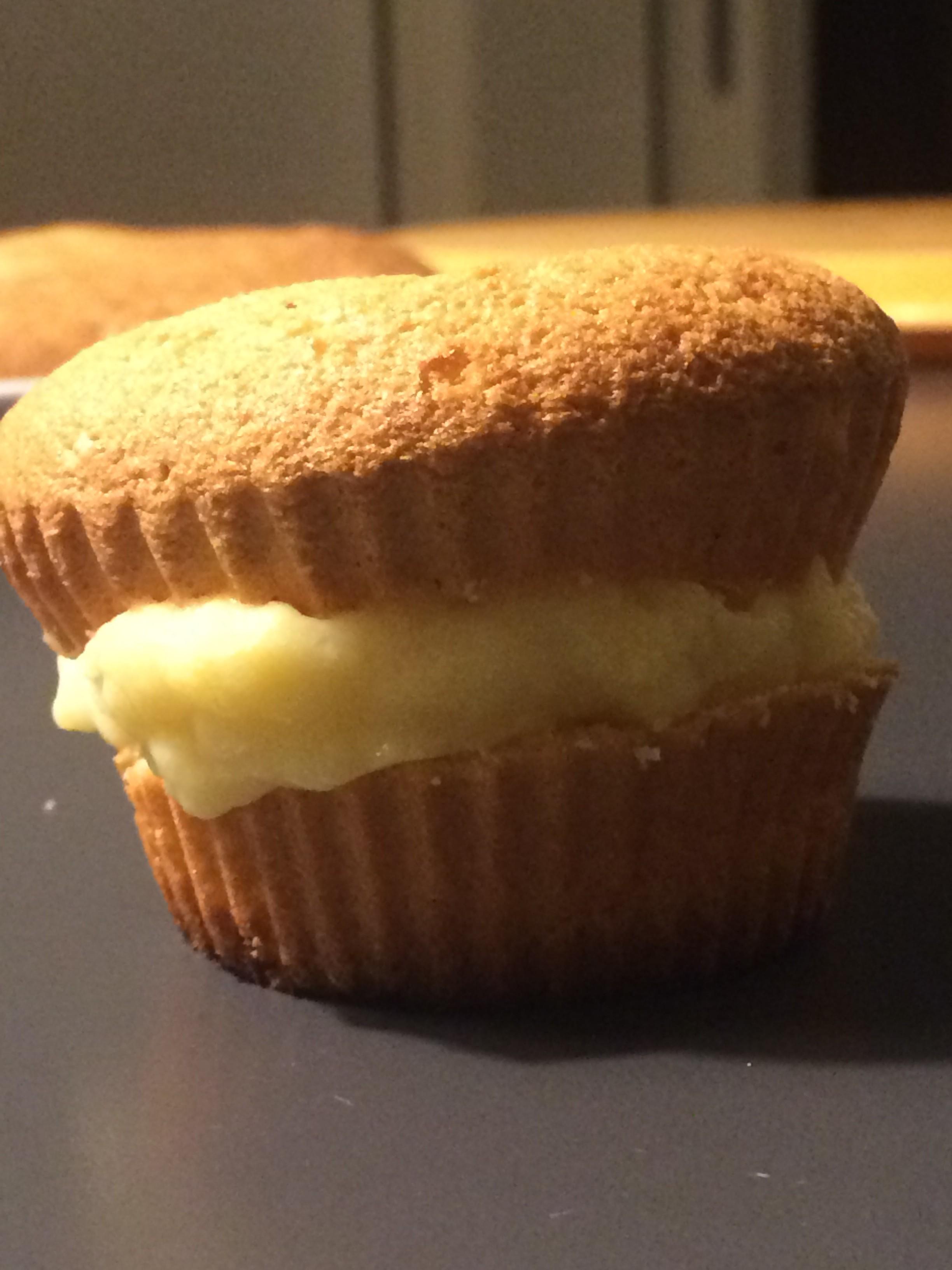 Pan di Spagna e crema pasticcera