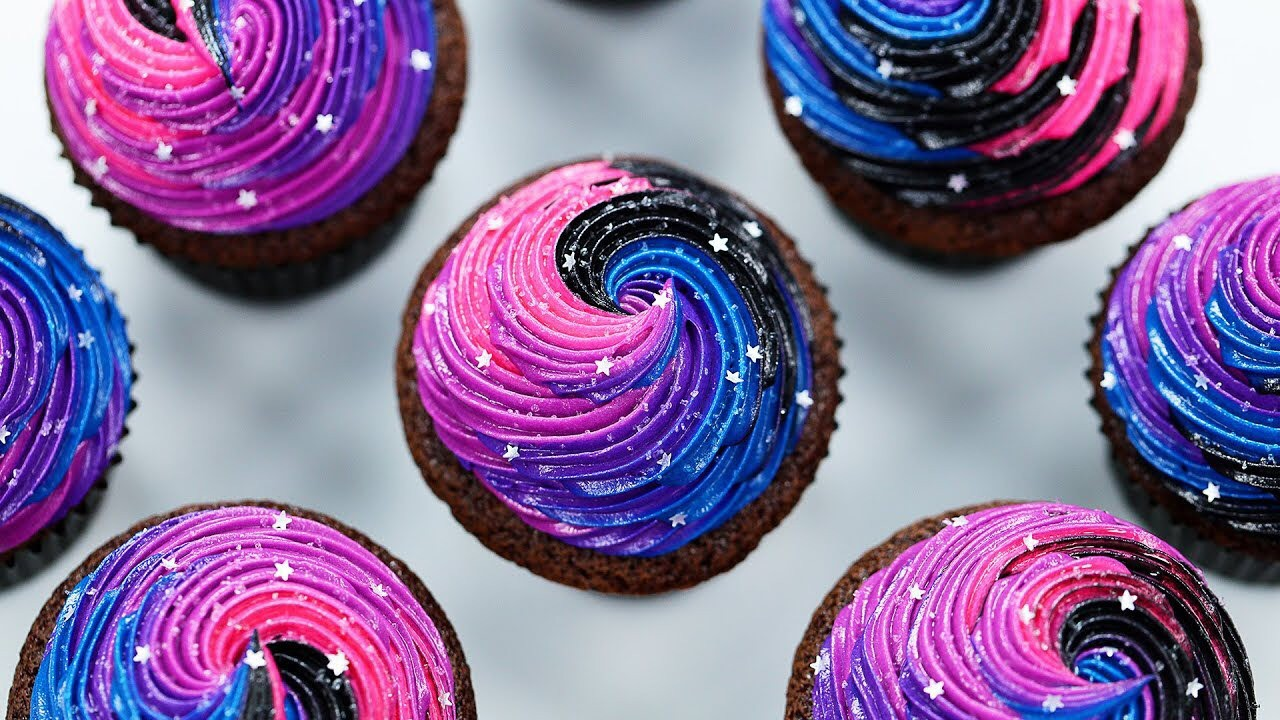 Galaxy Twirl Cupcakes