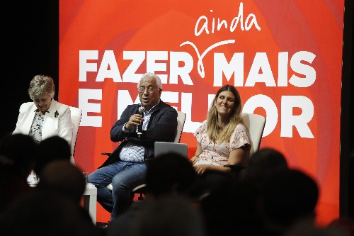 Portugal's Socialists focus on economy in re-election bid