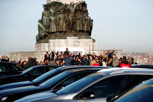 Top German court rules Uber limousine service illegal