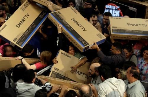 Black Friday eleva fluxo de visitantes em shopping centers do Brasil em novembro, diz Abrasce